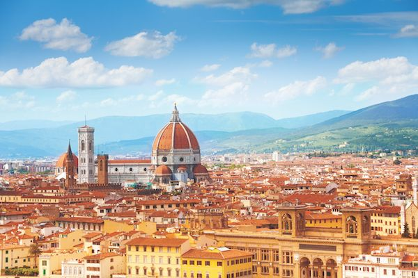 Direct flights to Florence & Prague thanks to local partnership