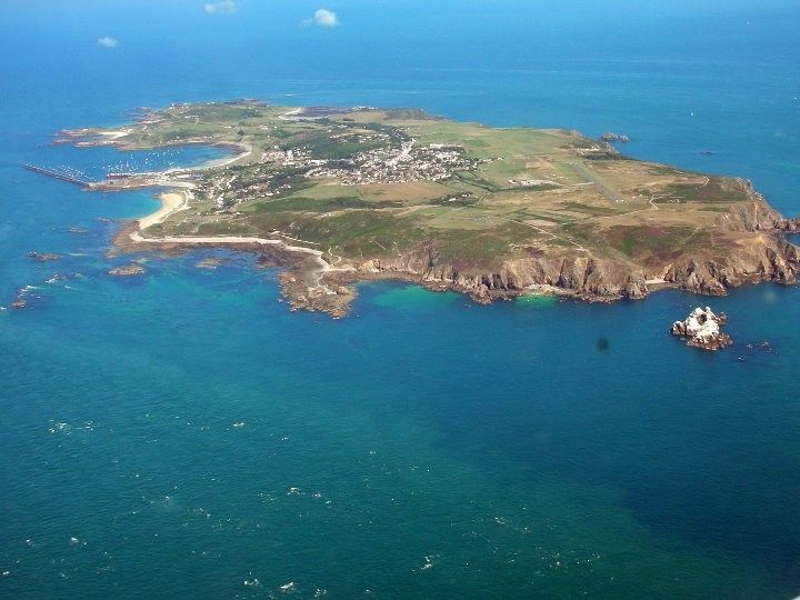 Search for light aircraft missing near Alderney